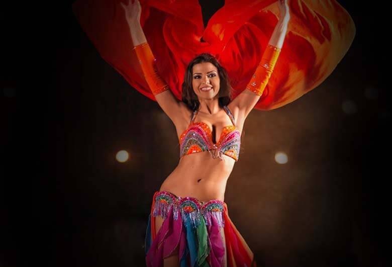 Dubai Desert Safari Belly Dancer - Luxuria Tours & Events