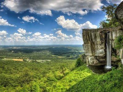 Georgia Clouds Rock - Luxuria Tours & Events