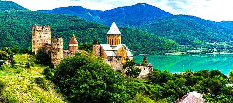 Georgia Signagi - Luxuria Tours & Events