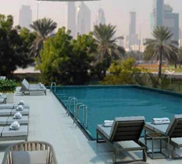 Holiday Inn Dubai Festival City, Swimingpool - Luxuria Tours & Events